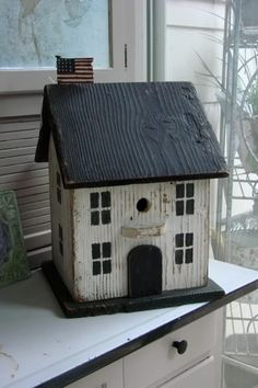 Colonial Birdhouse Finds a Home Today - Garden Junk Forum - GardenWeb