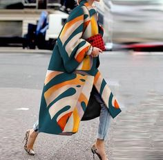 Product Fashion Printed Colour Long Sleeve coat Brand Name Street Style SKU Gender Women Style Elegant /Fashion/Modern Type coat Material Polyester Fiber Decoration Printed Colour Please Note: All dimensions are measured manually with a deviation of 1 to Looks Street Style, Looks Style, My Style, Classy Street Style, New York Fashion Week Street Style, Street Chic, Look Fashion, Winter Fashion, Womens Fashion