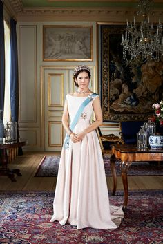 New official photo released of Crown Princess Mary of Denmark 1/30/2015