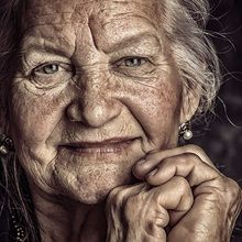 in a work of art.a face of an older woman Face Photography, People Photography, Old Faces, Female Profile, Face Expressions, People Of The World, Interesting Faces, Female Portrait, Woman Face