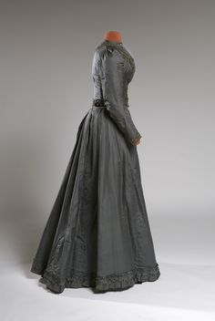 Search Our Collections Day Dresses, Evening Dresses, Afternoon Dresses, Maria Feodorovna, Silver Gown, 20th Century Fashion, Paris Design, Latest Fashion, Womens Fashion