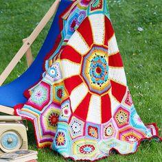 Carousel Blanket CAL Special DK - Yarnplaza.com