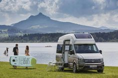 Volkswagen unveiled its California XXL camper van at the Düsseldorf Caravan Salon, which has all the amenities of a home and could be the future of RVs. Vw Camper, Camper Trailers, Vw California Camper, California Camping, Southern California, Caravan Salon, Gypsy Caravan, Van Vw, Boat Design