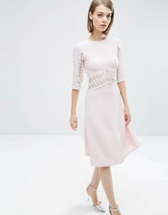 Shop Women's ASOS Petite Pink size 00 Midi at a discounted price at Poshmark. Description: Asos petite midi skater dress with lace insert. Modest Dresses Casual, Day Dresses, Latest Fashion Clothes, Modest Fashion, Fashion Online, Dress Fashion, Mode Simple, Midi Skater Dress, Robes Midi