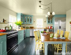 Don't think I'll ever get a kitchen like this, but I can dream...