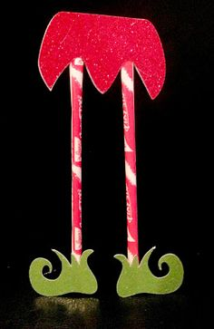 A few cute and quick Christmas crafts! pixie sticks for elf legs. fun gift for kids friends
