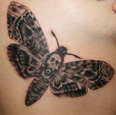 death's-head hawk moth tattoo - Google zoeken