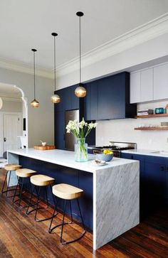 navy blue kitchen furniture, pendant lamps