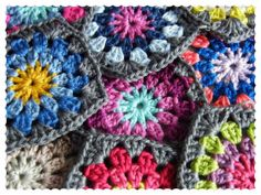 Love these squares! There are some color combination ideas in here that I would like to try out.