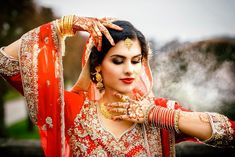 best poses for indian wedding photography Indian Engagement Photos, Indian Wedding Poses, Indian Bridal Photos, Indian Wedding Couple Photography, Bride Photography, Photography Styles, Digital Photography, Wedding Girl, Wedding Beauty