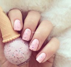 35 Beautiful Pink Nail Designs Trying to find new and colorful nail art designs can be a struggle. Trying to think of original ideas is time-consuming, especially in summe Nail Art Diy, Diy Nails, Glitter Nails, Love Nails, Pretty Nails, Nail Art Designs, Design Art, Bohemian Nails, Ice Cream Nails