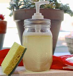 Készíts házilag mosogatószert! Homemade Beauty Recipes, Just Do It, Soap Dispenser, Homemaking, Cleaning Supplies, Diy, Zero Waste, Household Tips, Consciousness