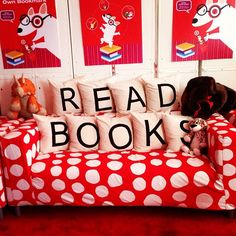 A Great Pillow Idea for a Library Area