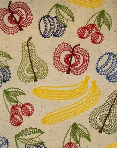 Kantklos fruit Embroidery Applique, Machine Embroidery Designs, Broomstick Lace, Freebies, Lacemaking, Tear, Bobbin Lace, Lace Flowers, Crafty Craft