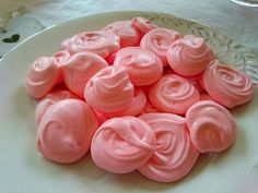 Pink Lemonade Meringues - Easy Recipe - Healthy Sweet Treat - Slimming World/ Weight Watchers Friendly!