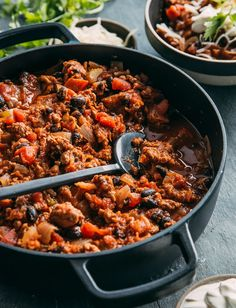 This easy turkey chili is ready in under an hour! Perfect for chilly weeknights where you want a quick meal that is warm and hearty. A chili that is loaded with vegetables and lean turkey for plenty of flavor! Chili Recipes, Soup Recipes, Easy Turkey Chili, Quick Meals, Stew, Soups, Dishes, Chowders, Eat