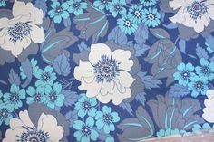 60 s joli tissu vintage rétro suédois, avec design scandinave. En très bon état, avec des couleurs très vives. Fantastique de motifs décoratifs