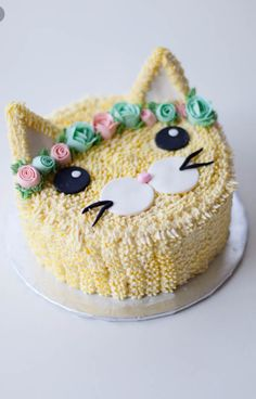 flower crown kitty cake - coco cake land Best Picture For birthday cake For Your Taste You are looking for something, and it is going to tell you exactly what you are looking for, and you didn't Cake Coco, Kitten Cake, Birthday Cake For Cat, Girl Birthday Cakes, 8th Birthday, Birthday Ideas, Happy Birthday, Cake Land, Gateaux Cake