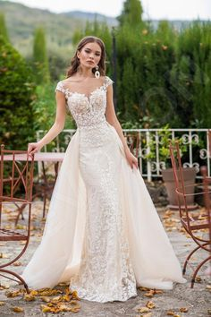 Fit And Flare Wedding Dress, Perfect Wedding Dress, Wedding Looks, Dream Wedding Dresses, Bridal Dresses, Trumpet Wedding Dresses, Bridesmaid Dresses, Beautiful Dresses, Marie