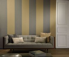 Flamant Les Rayures is a collection of non-woven wallpaper with a refined linen texture in 6 striped patterns. Modern Interior, Interior Styling, Interior Decorating, Bristol, Arte Wallcovering, Striped Wallpaper, Blue Tones, One Design, Stripes Design