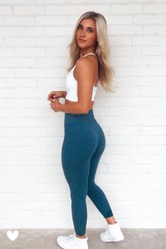 Cute Workout Outfits, Workout Attire, Womens Workout Outfits, Sporty Outfits, Athletic Outfits, Cute Casual Outfits, Fashion Outfits, Sexy Workout Clothes, Bum Workout