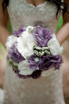 The DIY Rustic Bride: DIY Fabric Flower Bouquet --- light tutorial, with links to fabric flower tutorials.