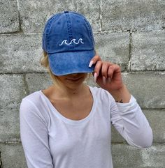 Beach Wave Embroidered Baseball Hat 2019 clothing clothing labels clothing patches clothing wholesale flower clothing fly shirts shirts for ladies shirts sunshine coast style clothing tee shirts clothing Sommer Garten Hochzeits Kleider Cute Baseball Hats, Adidas Baseball Cap, Baseball Live, Pro Baseball, Baseball Caps, Buy Hats, Hat Embroidery, Embroidery Ideas, Spring Hats