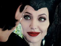 «evil queens are the princesses that were never saved. Maleficent Quotes, Angelina Jolie Maleficent, Maleficent 2014, Maleficent Movie, Malificent, Disney Villains, Disney Movies, Ava Green, Images Gif