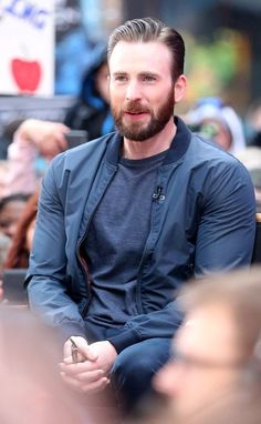 ~~Chris Evans Photos - The 'Avengers' Cast at 'Good Morning America' - Zimbio~~