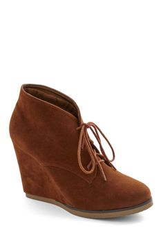 Nicely Spiced Bootie in Cinnamon. Sometimes an ensemble calls for a bit of panache. #brown #modcloth
