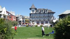 Spacious public greens at Rosemary Beach are used to picnic, play fetch, croquet, bocce ball, or just hang out in the Florida sunshine.