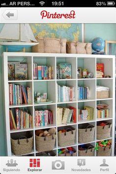 Biblioteca para guardar juguetes y libros d adri
