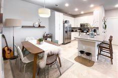 20 Gorgeous Rug Ideas for Your Kitchen Kitchen Shop, Cute Kitchen, Stylish Kitchen, Modern Kitchen Design, Rustic Kitchen, Kitchen Area Rugs, Kitchen Desks, Kitchen Flooring, Kitchen Designs Photos