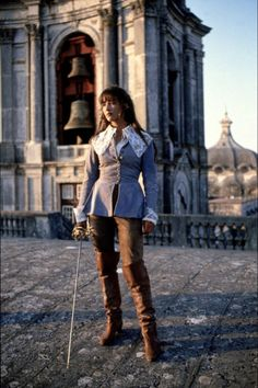 "Sophie Marceau, ""La Fille de d'Artagnan"", 1994 Lose or reduce the giant lacy collar and this would make an excellent outfit."
