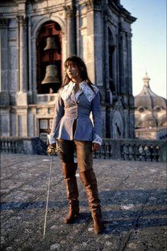 "Sophie Marceau, ""La Fille de d'Artagnan"", 1994 Lose or reduce the giant lacy collar and this would make an excellent outfit."