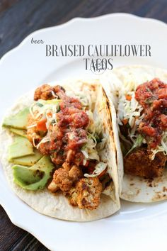 Beer Braised Cauliflower Tacos with Lime Slaw - Healthy #Vegan Dinner Recipes - #plantbased #cleaneating
