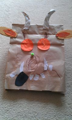Gruffalo paper bag craft The gruffalo paper bag mask Gruffalo Costume, Gruffalo Party, The Gruffalo, Paper Bag Crafts, Fun Crafts, Crafts For Kids, Arts And Crafts, Paper Bags, Gruffalo Activities