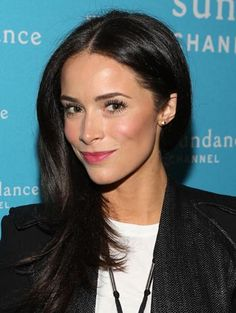 Abigail Spencer  http://primped.ninemsn.com.au/blogs/celebeauty/abigail-spencer#