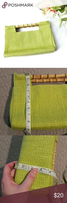 fossil ⏺ woven purse In good condition. Has a few flaws but nothing that couldn't be fixed. A strap can be added to the sides of this purse but is mainly a handbag. Flaws are: the zipper piece is not connected to the zipper (see pic) but is an easy fix with some wire. There is a very small stain inside the purse in the bottom. This purse is beautiful though! It is authentic Fossil. From a smoke and pet free home. I ship fast! Office - Vacation - Wedding - Fun - Dress up - date night - cruise…