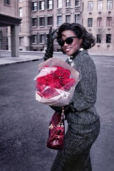 Retro Fashion with Timeless Glamour. Viola Davis looks fab here.just gorgeous! Viola Davis, Beautiful Black Women, Beautiful People, Afro, Actrices Sexy, Vintage Black Glamour, Black Actresses, Before Us, Black Girls
