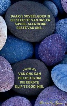 Daar is soveel goed in die slegste van ons & soveel sleg in die beste van ons. All Quotes, Wisdom Quotes, Bible Quotes, Inspirational Thoughts, Positive Thoughts, Afrikaanse Quotes, Goeie More, Forgetting The Past, Things To Think About