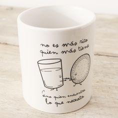 Un regalo genial para el amigo invisible pueden ser estas tazas personalizadas, hay cientos y son muy originales, en Qualimail nos encantan, así da gusto desayunar!