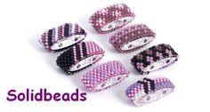 Schwarz / Lila / Pink                                                                                                                                                                                 Mehr Beaded Bracelet Patterns, Peyote Patterns, Jewelry Patterns, Beading Patterns, Seed Bead Projects, Beading Projects, Beading Tutorials, Beads Jewelry, Beaded Jewelry Designs