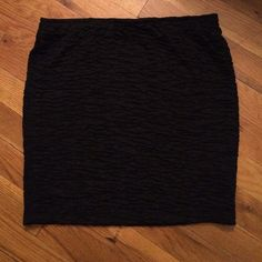 black bodycon skirt worn once, like new condition Forever 21 Skirts Mini