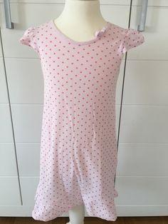 Mein Petit Bateau Girly Nachthemd Gr.6 Jahre / 114 cm von Petit Bateau! Größe 104 für 15,00 €. Schau´s dir an: http://www.mamikreisel.de/kleidung-fur-madchen/nachthemden/35350693-petit-bateau-girly-nachthemd-gr6-jahre-114-cm.