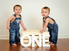 Loving Life: Our Twin Boys' One Year Photo Session Loving Life: Our Twin Boys' One Year Photo Session Twin Birthday Pictures, First Birthday Photos, Boys First Birthday Party Ideas, Baby Boy First Birthday, Twin Birthday Cakes, Twin Baby Photos, Twin Pictures, Twin Baby Boys, Twin Babies
