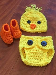 Baby Chick Costume - Perfect for photoshoots, springtime, and Easter celebrations! Two piece set comes with chick hat wi - Crochet Baby Costumes, Crochet Baby Clothes, Newborn Crochet, Crochet Hats, Easter Crochet, Crochet For Kids, Baby Patterns, Crochet Patterns, Baby Kostüm