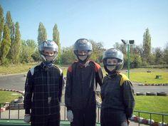 いいね!32件、コメント3件 ― Megan Hさん(@meganh278)のInstagramアカウント: 「Oddball in an overall 🏎🏁 . . . #racing #karting #race #siblings #trackday #helmet #safetyfirst…」