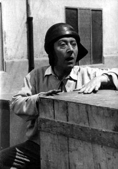 """Macario (Erminio Macario) in Carlo Borghesio's """"Come persi la guerra"""" (English title: """"How I Lost the War"""", 1948)."""