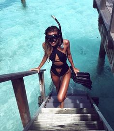 SUMMER #beautiful #snorkelling #ocean #vacation #sun #girl #tropical #bluewater #body #hair #tanned #paradise #stunning #clearwater #Hot #summer #amazing #F4F #L4L #outdoor